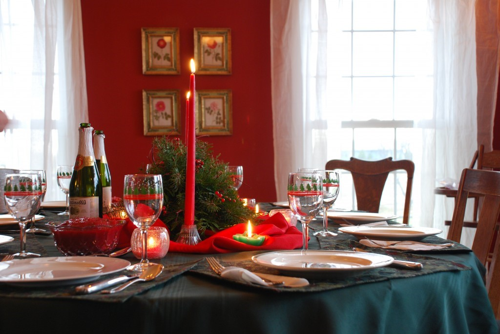 Table setting ideas from Hickory Farms