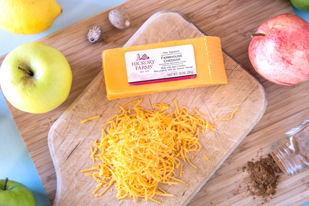 Hickory Farms Farmhouse Cheddar Cheese