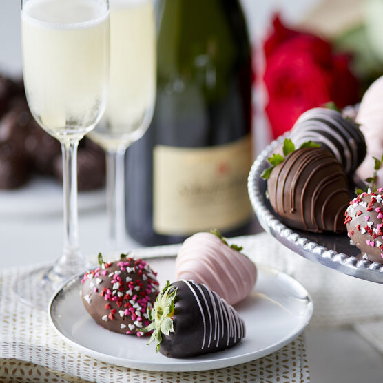 Berries and Bubbles Gift Box includes 6 chocolate covered strawberries and La Fornarina Prosecco