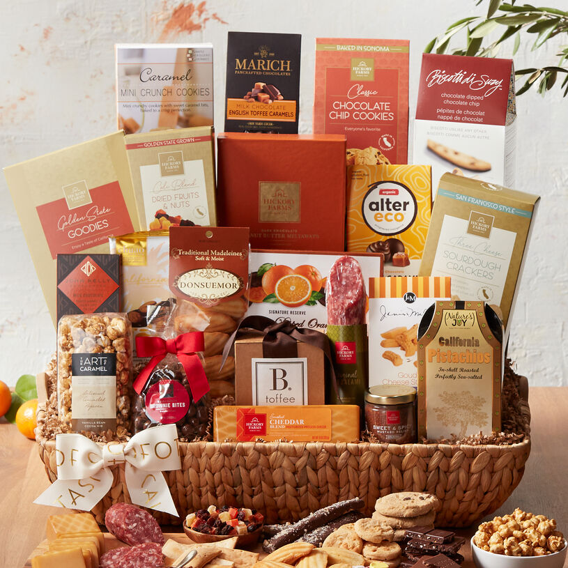 Send the ultimate California snack experience with this bountiful basket packed with West Coast flavor and Hickory Farms favorites.