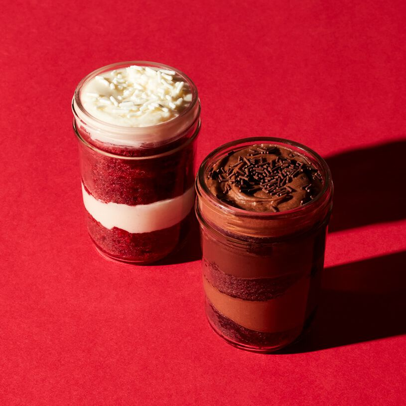 Red Velvet & Chocolate Cupcake 2-Pack