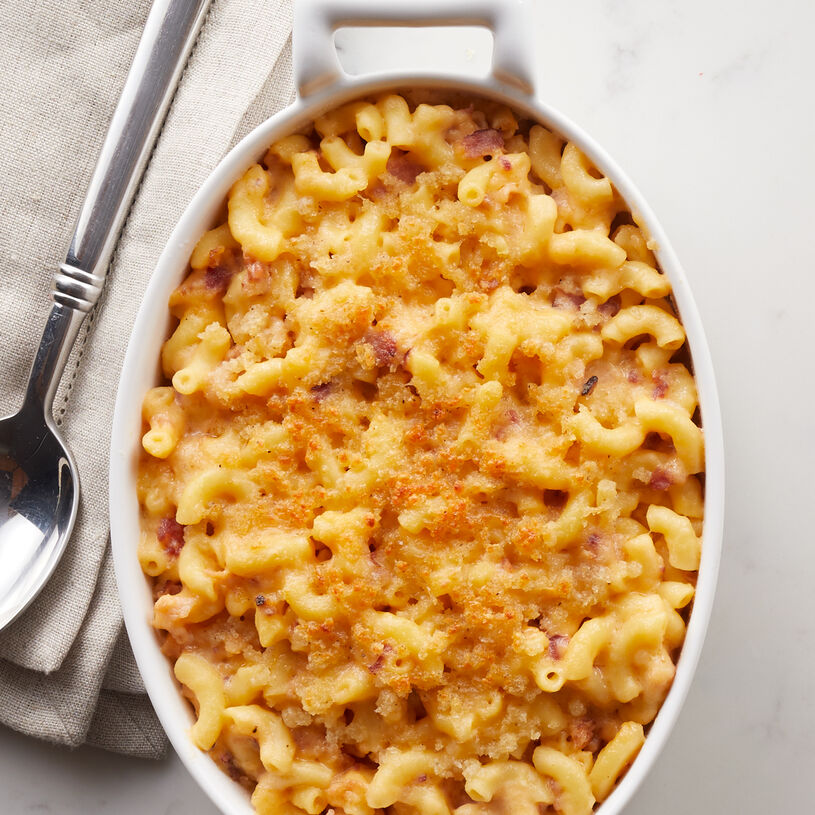 Our macaroni and cheese is made with tender gemelli pasta with gorgonzola, fontina, and mozzarella cheeses and topped with panko breadcrumbs for a buttery, crispy finish.