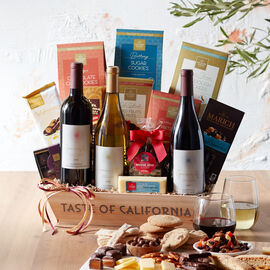 This wine gift features expertly curated, well-loved California snacks alongside favorites from Hickory Farms.