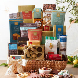 This California gourmet gift basket is filled with Hickory Farms favorites expertly paired with signature flavors of the West Coast for a uniquely delicious gift.