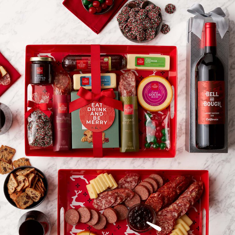 Give the gift of a holiday party! This gift set features everything needed to create a delicious meat and cheese spread.