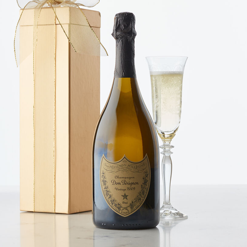 The icon of the house, this wine from Champagne, France showcases perfect equilibrium, revealing the harmony that is so characteristic of Dom Perignon.