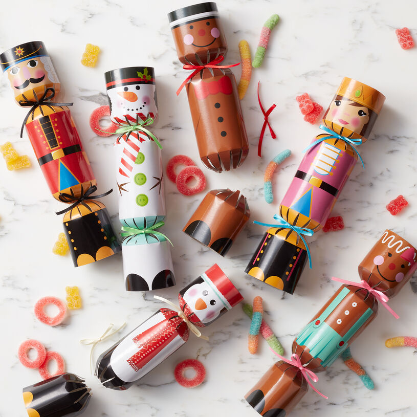 Pull the ends of these poppers to start the celebration. All six are filled with delicious sour gummy candies.