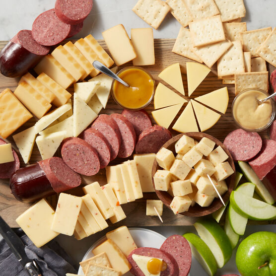 Satisfying Snack & Wine Gift Set Platter Charcuterie Board