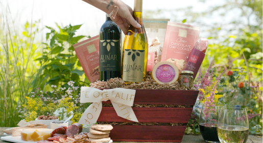 Guide to Wine Gift Etiquette Blog Image