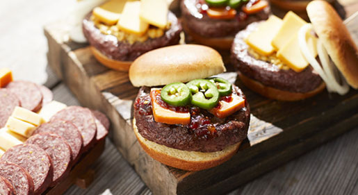 Hot Pepper Bacon Jam Cheeseburger Blog Image