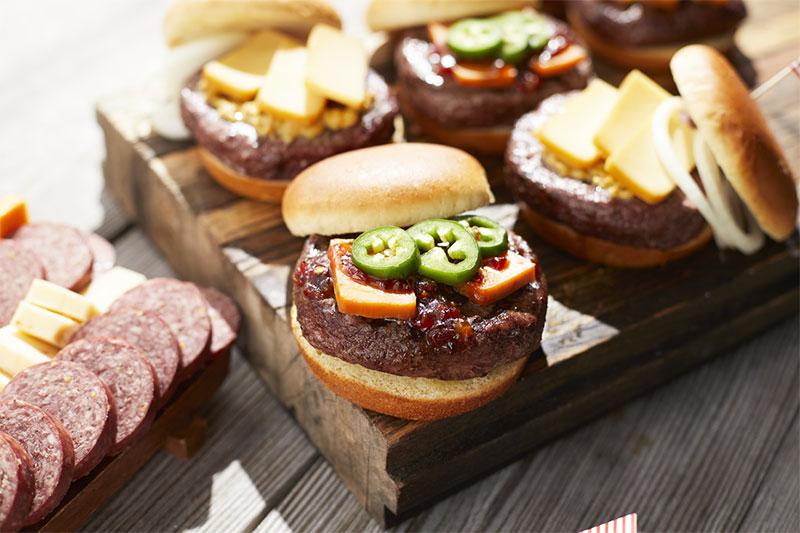 hot pepper bacon jam burger with hickory farms farmhouse cheddar cheese