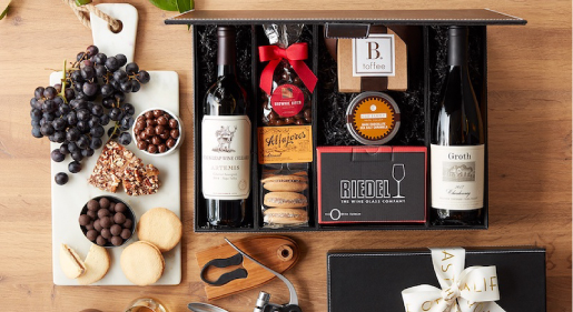 A Guide to Wine Accessories Gifts Blog Image
