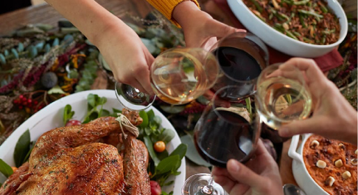 How To Host Friendsgiving Blog Image