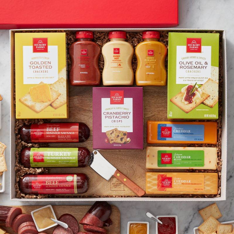 Guide to Holiday Business Gift Ideas - Deluxe Signature Charcuterie Gift Box
